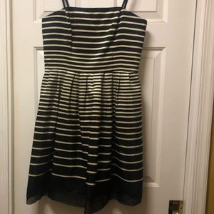 Ladies strapless dress.  Taylor. Silk/poly combo